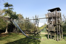 Bowood Adventure Playground, Jasmine Cottage self catering holiday accommodation, near Bath, Wiltshire