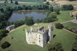 Old Wardour Castle, Salisbury, Wiltshire, Jasmine Cottage self catering holiday accommodation, near Bath, Wiltshire